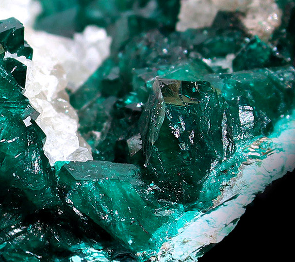 Very large Dioptase cluster