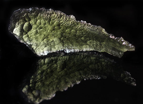 Very large Moldavite tecktite